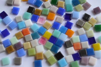 Mini Mosaik Buntmix 8x8mm ca. 30-40 Farben 50g. ca.90 St.