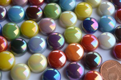 Mosaiksteine irisierend rund 12mm bunt Stärke 6mm 50g, ca. 32St.