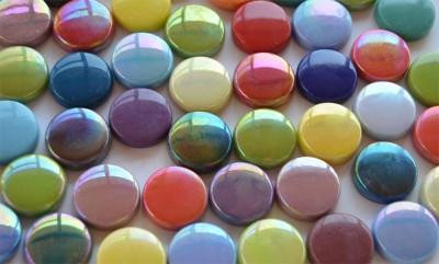 Glas Mosaiksteine rund 20mm Buntmix Stärke 6mm 100g ca. 22 St.