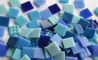 Glas Mosaiksteine Blaumix 2x2 cm 100 St. ca. 290g