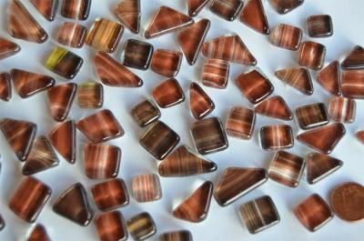 Glas Mosaiksteine unregelm. Muster braun, 100g ca. 60St.