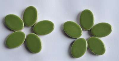 Keramik Mosaiksteine oval 22-23 mm grün 10 St.- 15g.