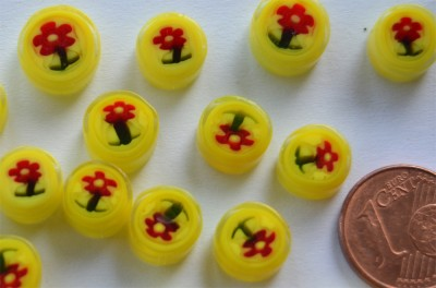 Millefiori rund Blume auf gelb 7-12 mm 20g.- ca. 20St.