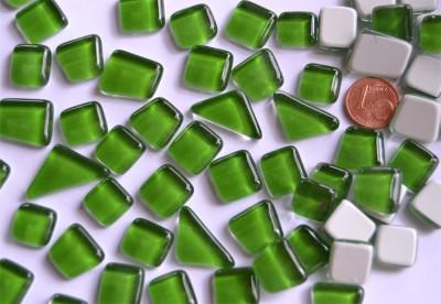 Softglas Mosaiksteine unregelmäßig maigrün 200g ca.130-150 St.