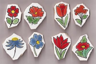 Bruchfliesen Blumen handbemalt 8 Stück- ca. 150 g.
