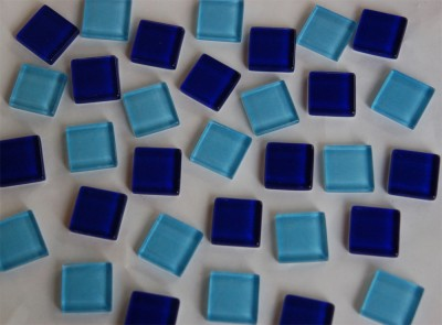 Soft-Glas Mosaiksteine Blaumix 2x2 cm 200g, ca. 50 St.