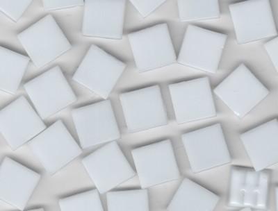 Glas Mosaiksteine 1,5x1,5 cm weiß 500g.- ca. 330 St.