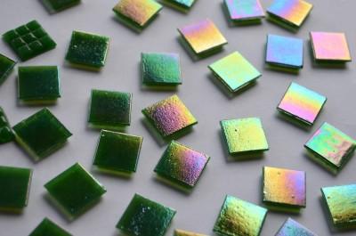 Glasmosaiksteine schimmernd dunkelgrün 1,5cm 100 St.- ca. 145g