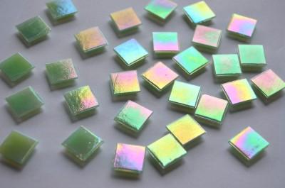 Glasmosaiksteine schimmernd hellgrün 15x15mm 150 St. -ca.145g