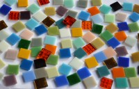 Glas Mosaiksteine Mixbunt 2x2 cm, 30 Farben 100 St. ca. 290g