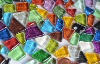 Mosaiksteine Softglas Glitter unregelm. bunt 50g ca.30St. B-Ware