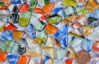 Glasmosaiksteine softglas unregel. mit Muster bunt, 100g ca.60St