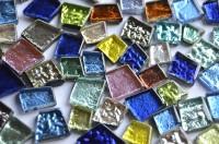 Mosaiksteine unregelm. glänzend strukturiert bunt 100g ca. 40St.