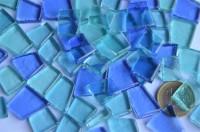 Glas Mosaiksteine unregelm. transparent Blaumix 100g ca. 40 St.