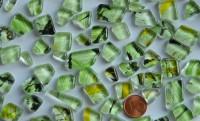 Glas Mosaiksteine unregelm. Muster grün 100g ca. 60St.