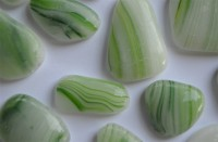 Glas Mosaiksteine unreg. marmoriert grün frostsicher 300g ca50St
