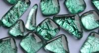 Soft- Glas Mosaiksteine unregelm. Blattstruktur grün 100g ca70St