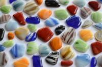 Glas Mosaiksteine unregel. marmoriert bunt 300g ca.50 St. B-Ware