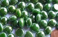Glasnuggets 10-12mm grün opak irisierend, NICHT transp. 70g ca. 50St.