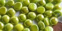Glasnuggets 10-12mm hellgrün opak irisierend, NICHT transp. 70g ca. 50St.
