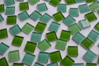 Glas Mosaiksteine (Soft Glas) Grünmix 2x2 cm 104 St.- ca. 380g.